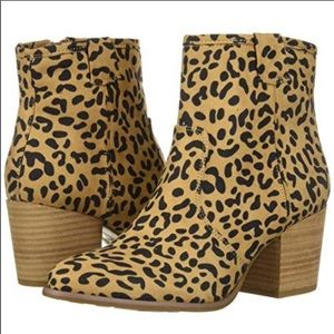 CARLOS BY CARLOS SANTANA Leopard Print Boots 10M